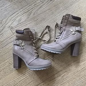 Guess boots Size 7 1/2